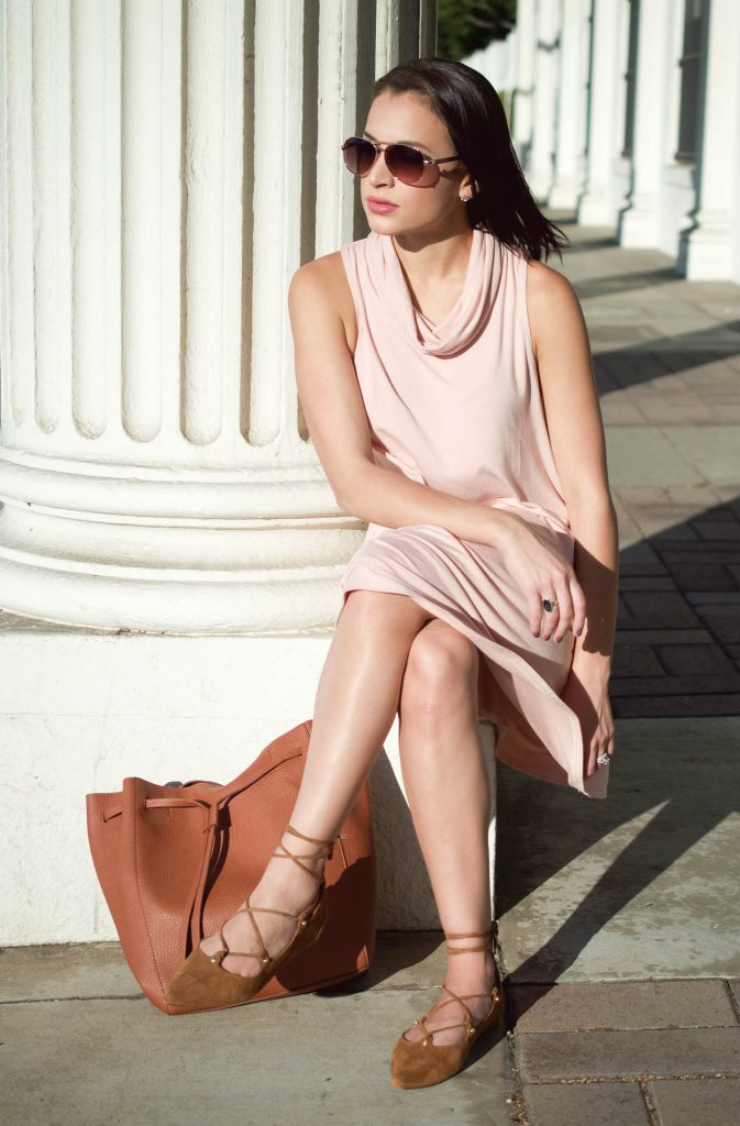 shift dress, nordstrom, nordstrom dress, pink shift dress, cowl neck dress, halogen flats, lace up flats, affordable brown handbag, aviator sunglasses, LA style, LA blogger, nordstrom giveaway, gift card giveaway